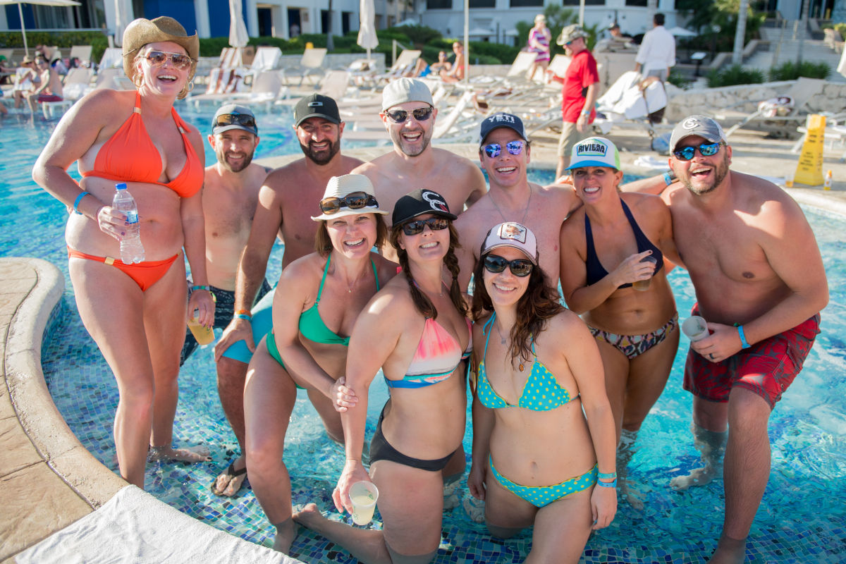 zbb2018_pool-friends.jpg